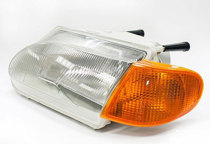 Блок-фара ВАЗ-2115 левая  Automotive Lighting Bosch  067651205301